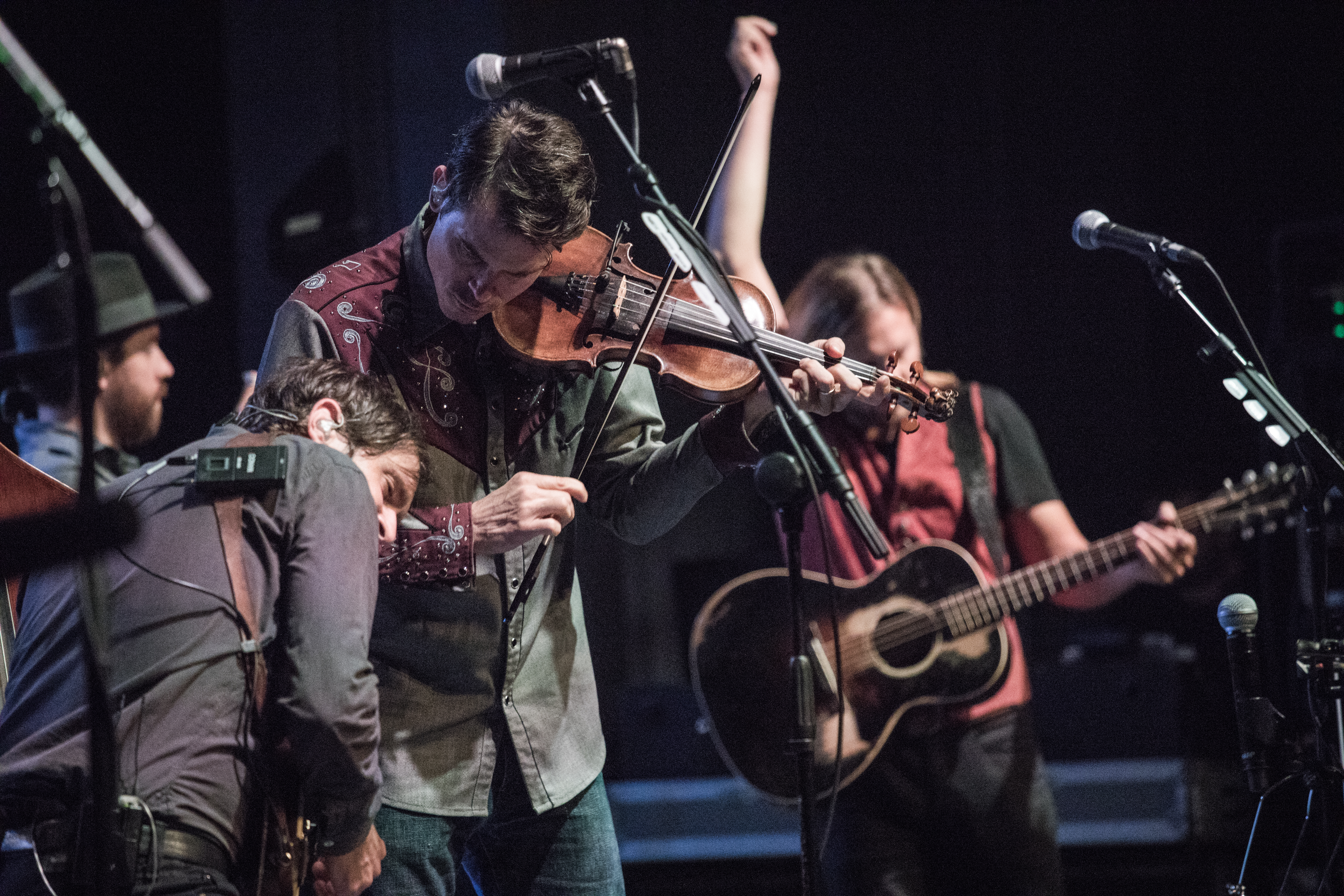 live-review-an-evening-with-old-crow-medicine show savage thrills