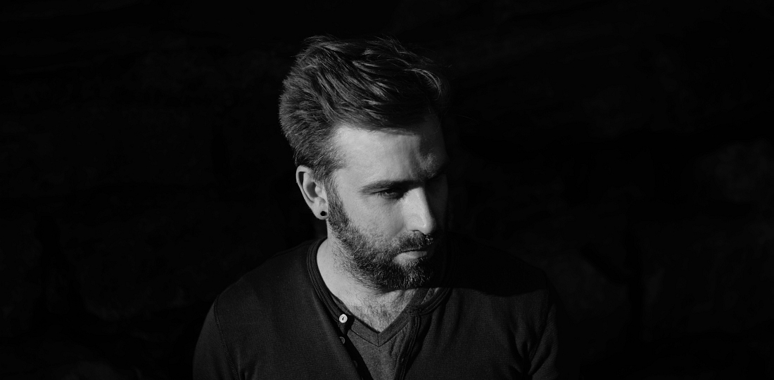 josh pyke black white horizon interview music savage thrills savagethrills