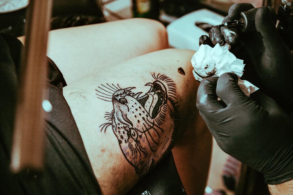 bleudemarin bleudemarin interview savagethrills savage thrills video biarritz hossegor tattooartist tattoo surf motorbike