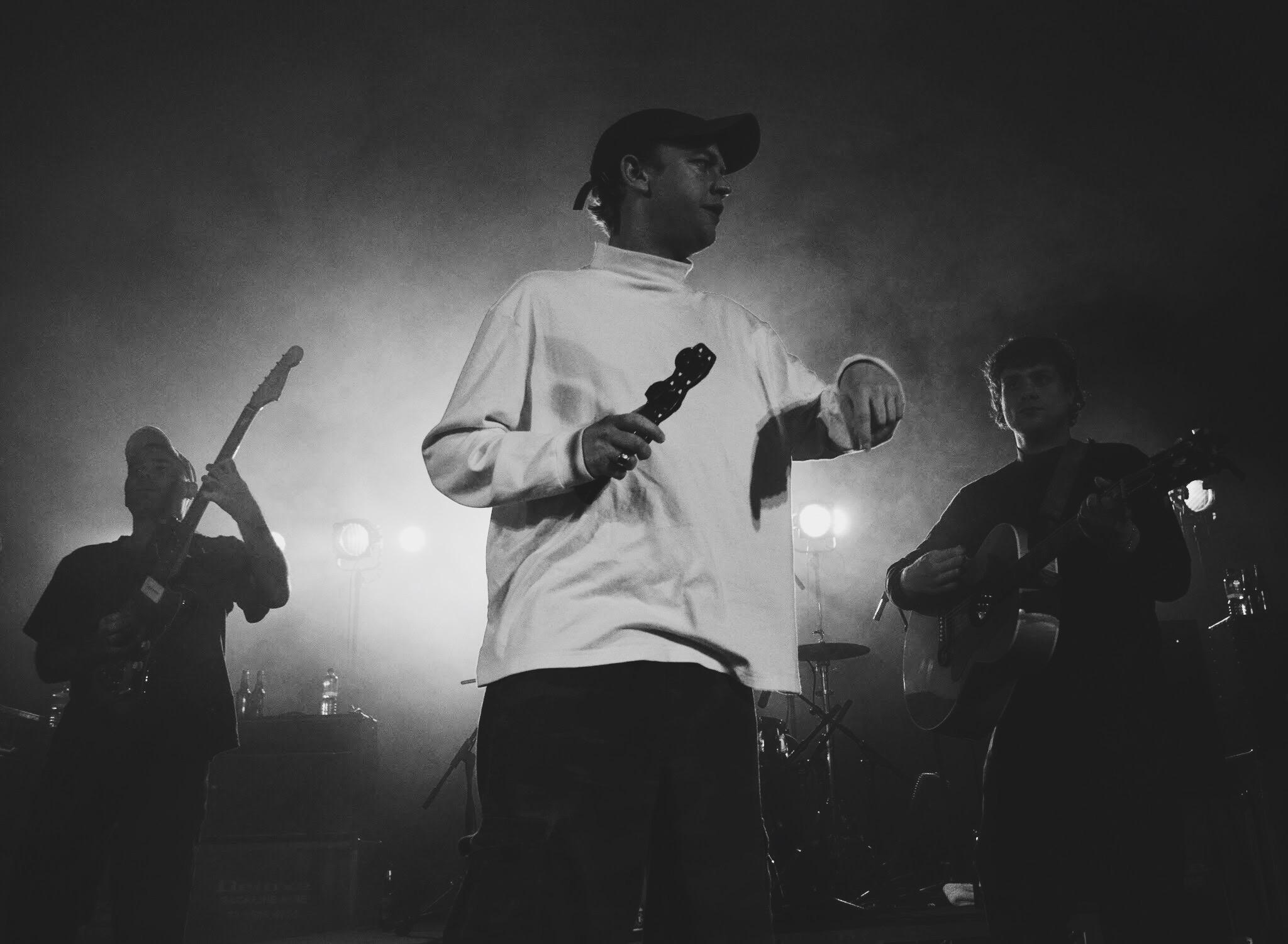DMA'S Quiet Acoustic Meets Energetic Indie Rock | Savage Thrills
